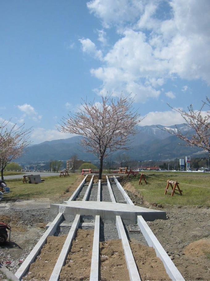 髙木東六記念碑