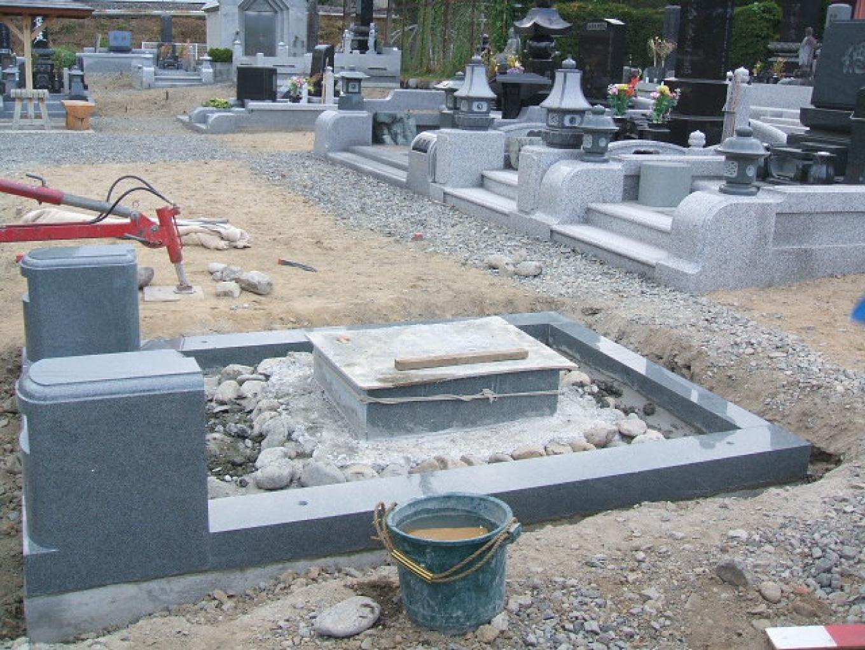 和型墓石大名型